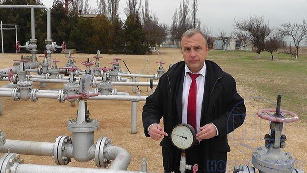 Руководитель Генического района записал видеообращение кПутину нафоне газовых труб