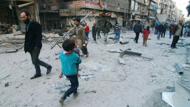Внаслідок авіаударів поранення отримали 190 осіб / Фото: bbc.com