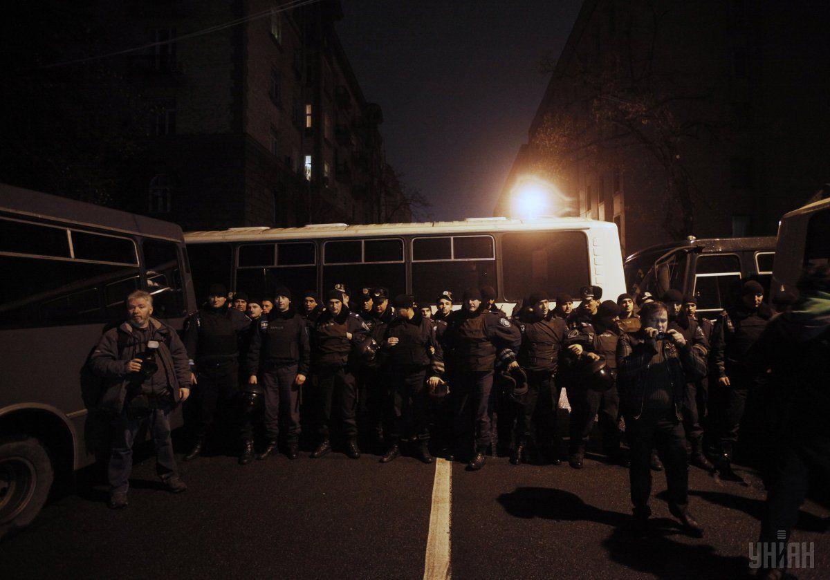 Бойцы спецподразделения милиции