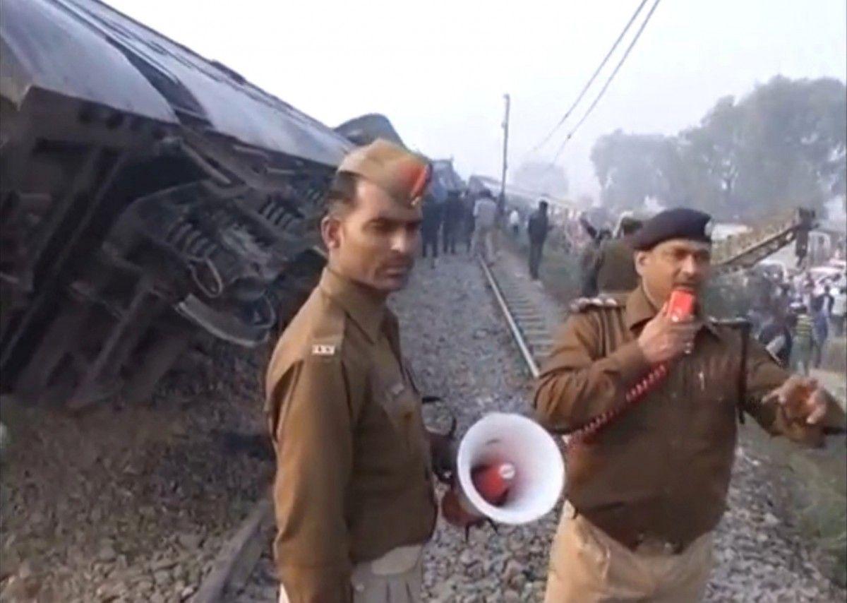 Железнодорожная катастрофа в Индии. Фото с места события / REUTERS