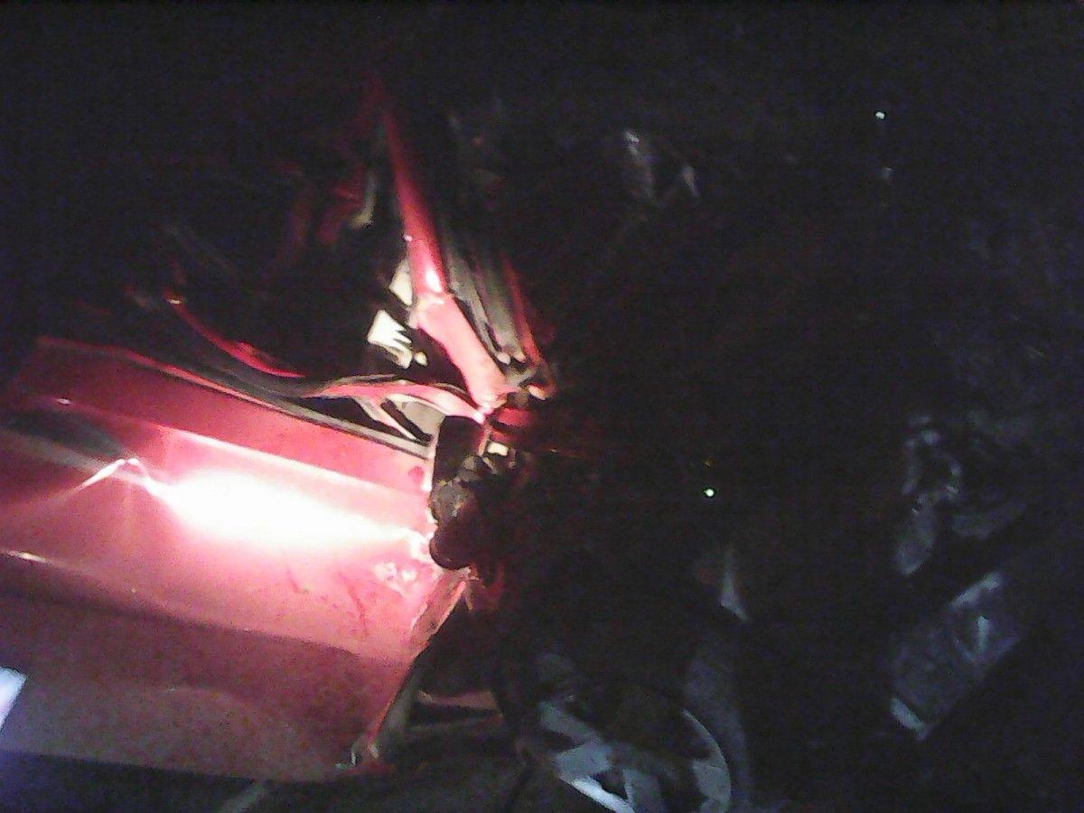 Столкнулись легковой автомобиль Chevrolet Aveo и частный микроавтобус Volkswagen / odesa.dsns.gov.ua
