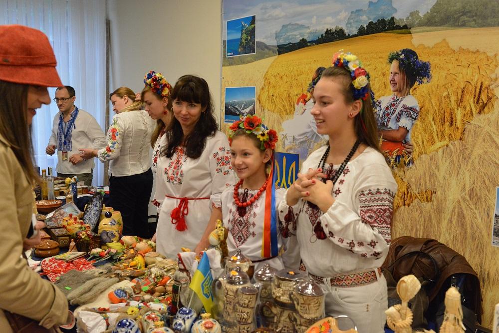 Украина уже девятый год подряд присоединяется к благотворительной деятельности НАТО / УНИАН