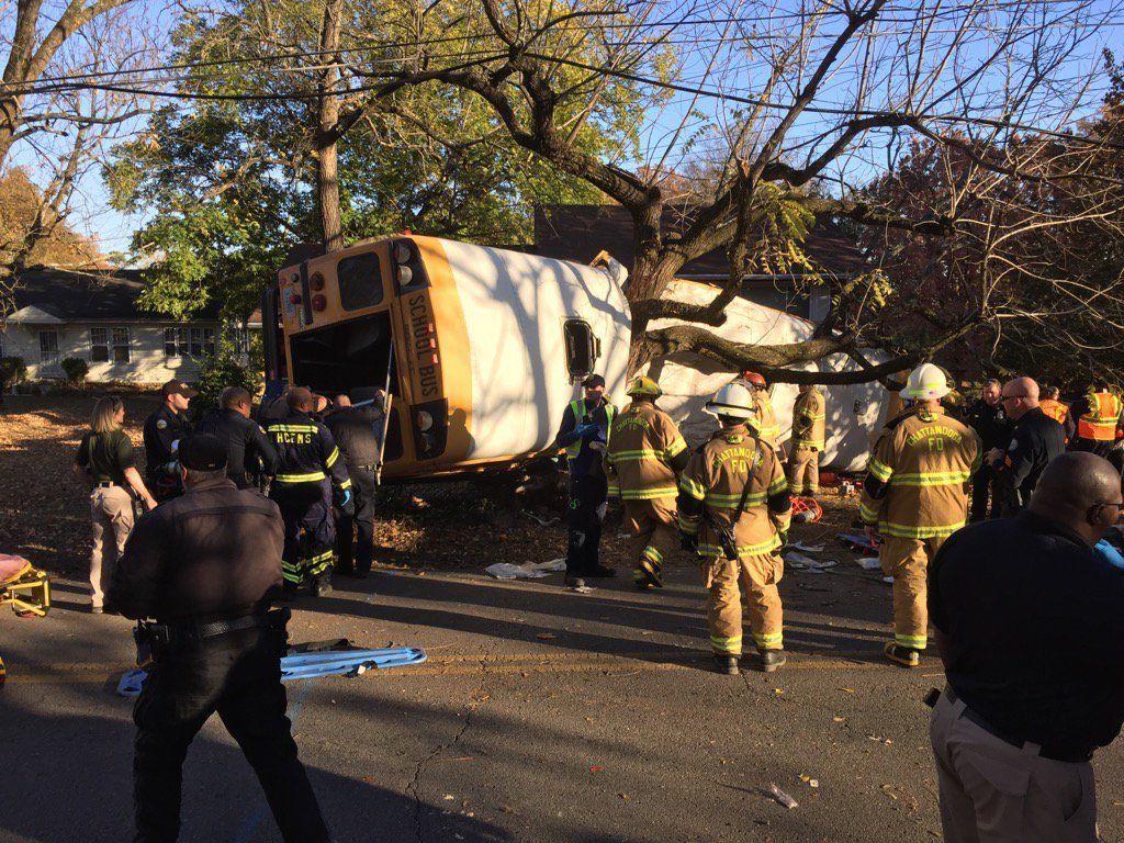 ВСША ученический автобус попал в трагедию