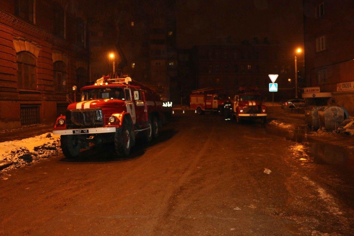 Загорівся підземний електричний колектор / Фото dsns.gov.ua