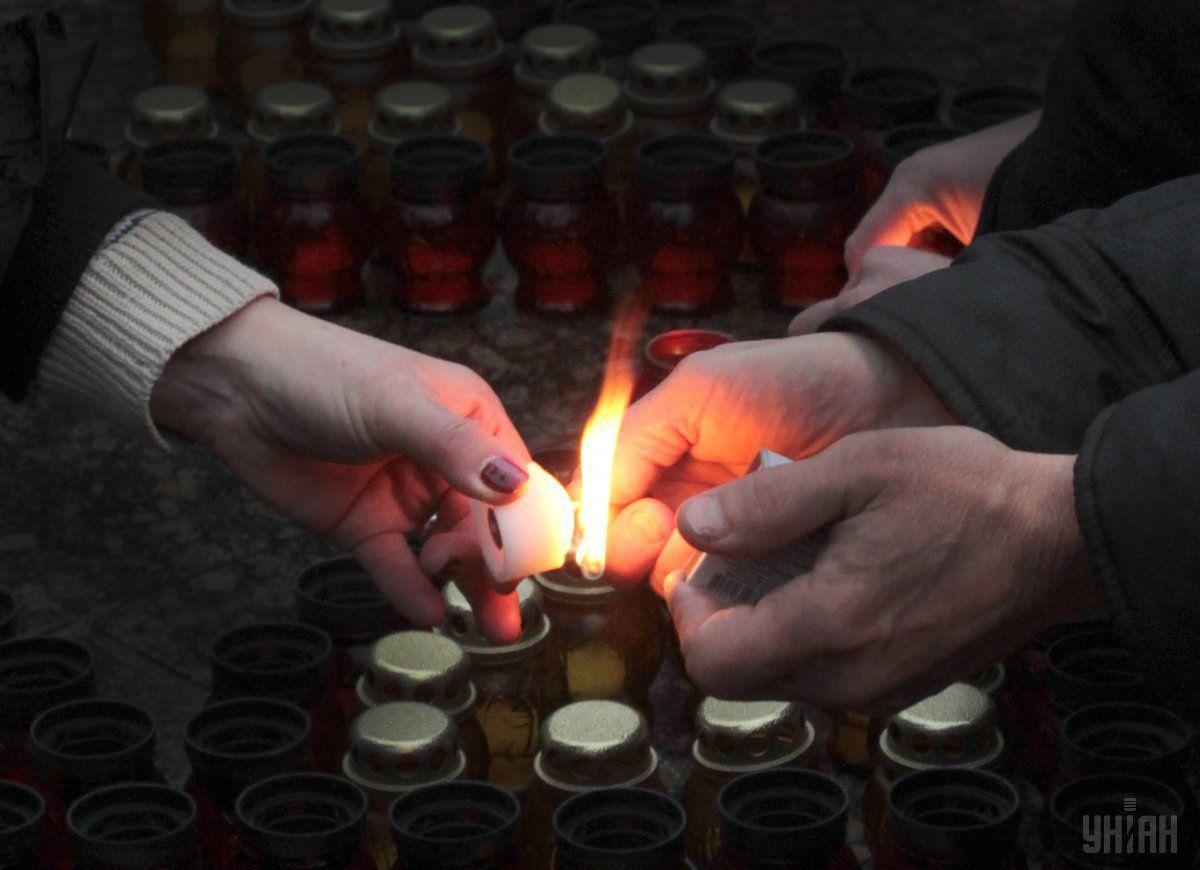 Премьер-министр призвал украинцев почтить память жертв голодоморов / Фото УНИАН