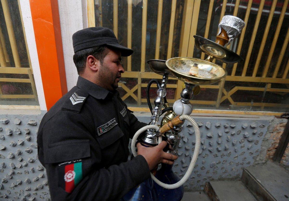 Полиция в Афганистане конфисковала все кальяны / REUTERS