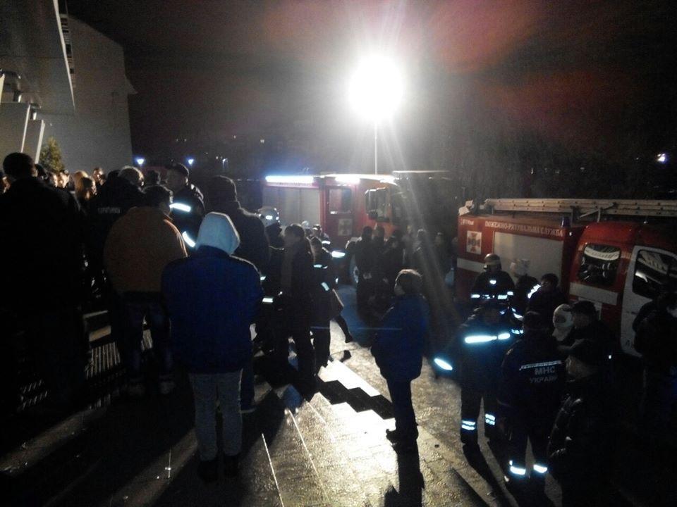 Пожежники евакуювали майже 300 осіб / Фото lviv.dsns.gov.ua