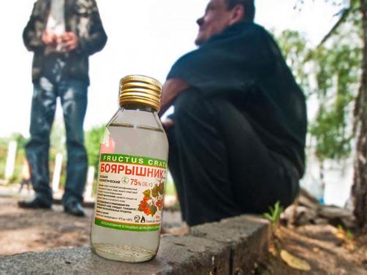 В России более 6 лет остается не решенной проблема спиртосодержащих веществ с двойным назначением / kafanews.com