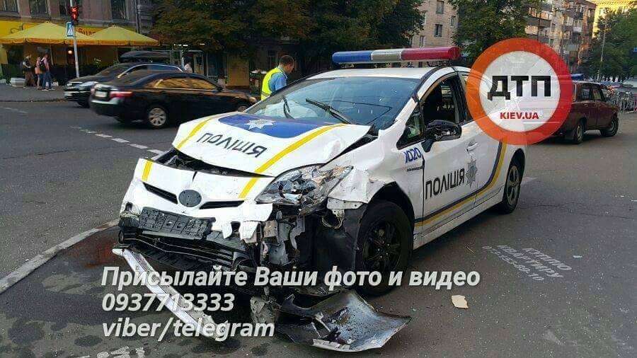 Полицейского, устроившего смертельное ДТП вКиеве, взяли под домашний арест