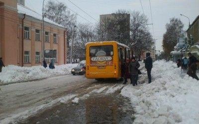 Через сніговий колапс тернополяни завели мову про покарання чиновників і відставку мера title=