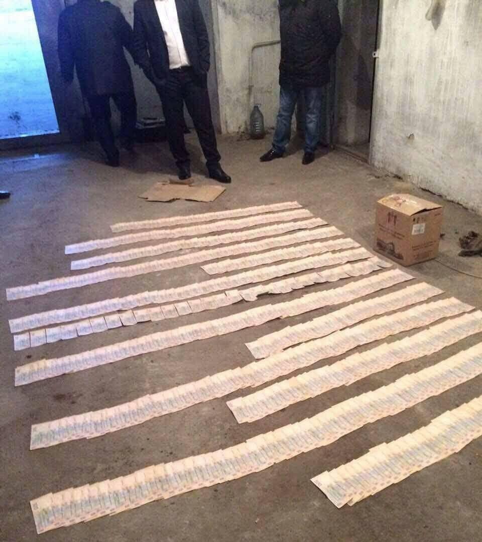 ВХерсонской области навзятке в 300 000 грн схвачен обвинитель