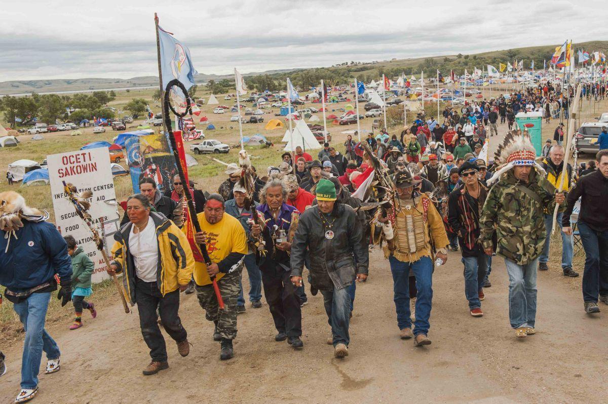 Назащиту священных земель: индейцы вСША продолжают акцию против возведения нефтепровода