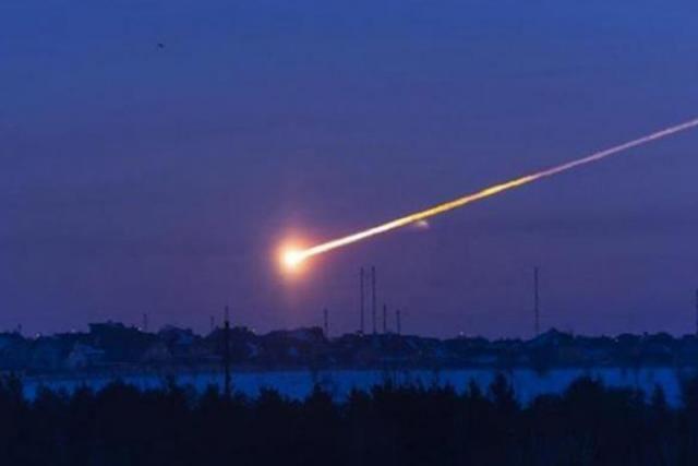 Спалах осяяв все навкруги: в небі над Хакасією згорів метеорит