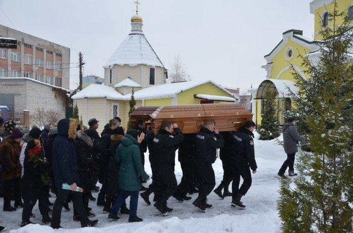 Трагедія в Княжичах: в останню путь провели поліцейських, які загинули в перестрілці
