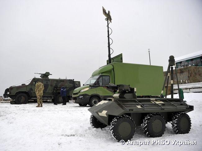На землі та у повітрі: в Україні пройшли успішні випробування безпілотної бойової техніки