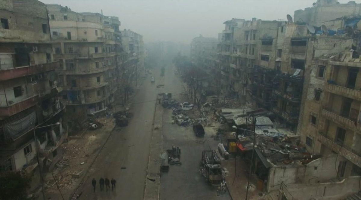 Эвакуация граждан Алеппо возобновится утром 15декабря,