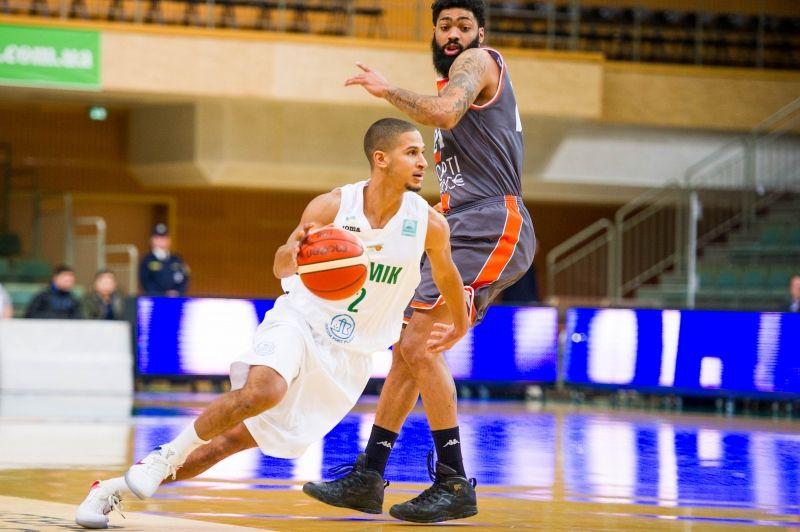 Южненские баскетболисты разгромно проиграли на собственной площадке французам