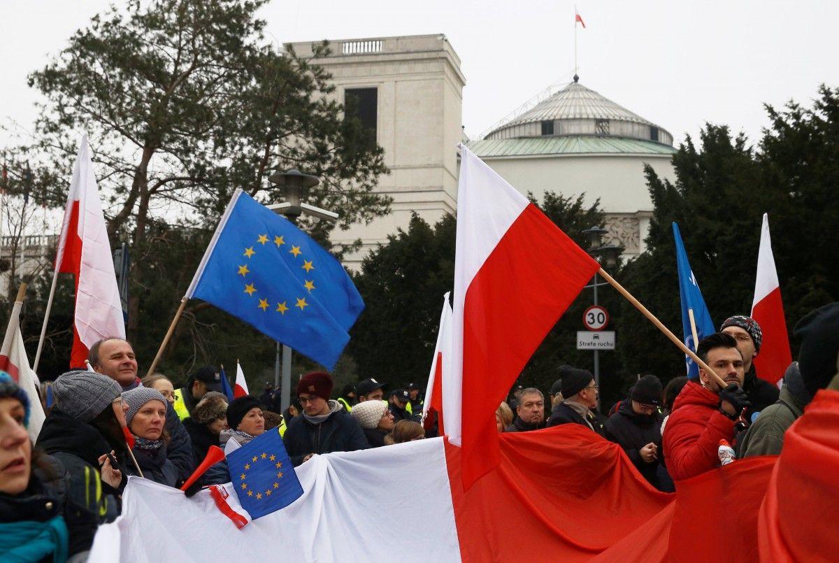 ВВаршаве продолжаются акции протеста оппозиции