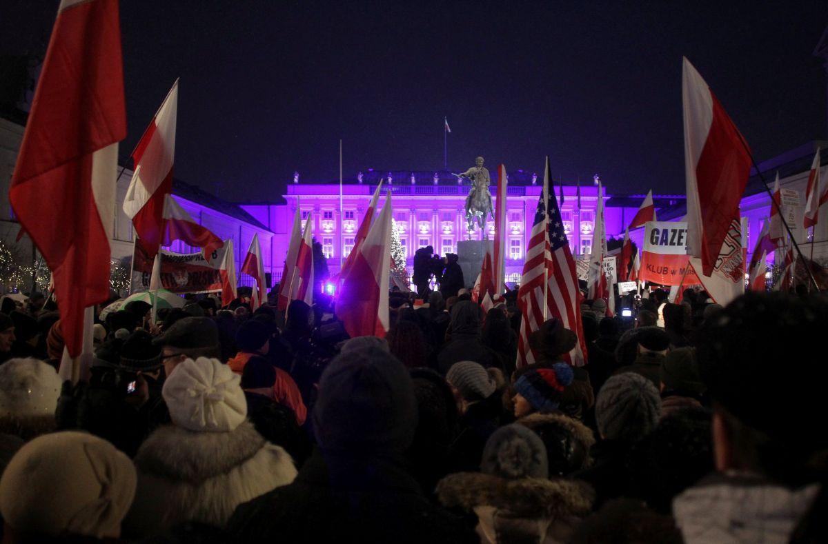 Президент Польши Анджей Дуда начал встречи слидерами оппозиции из-за парламентского кризиса