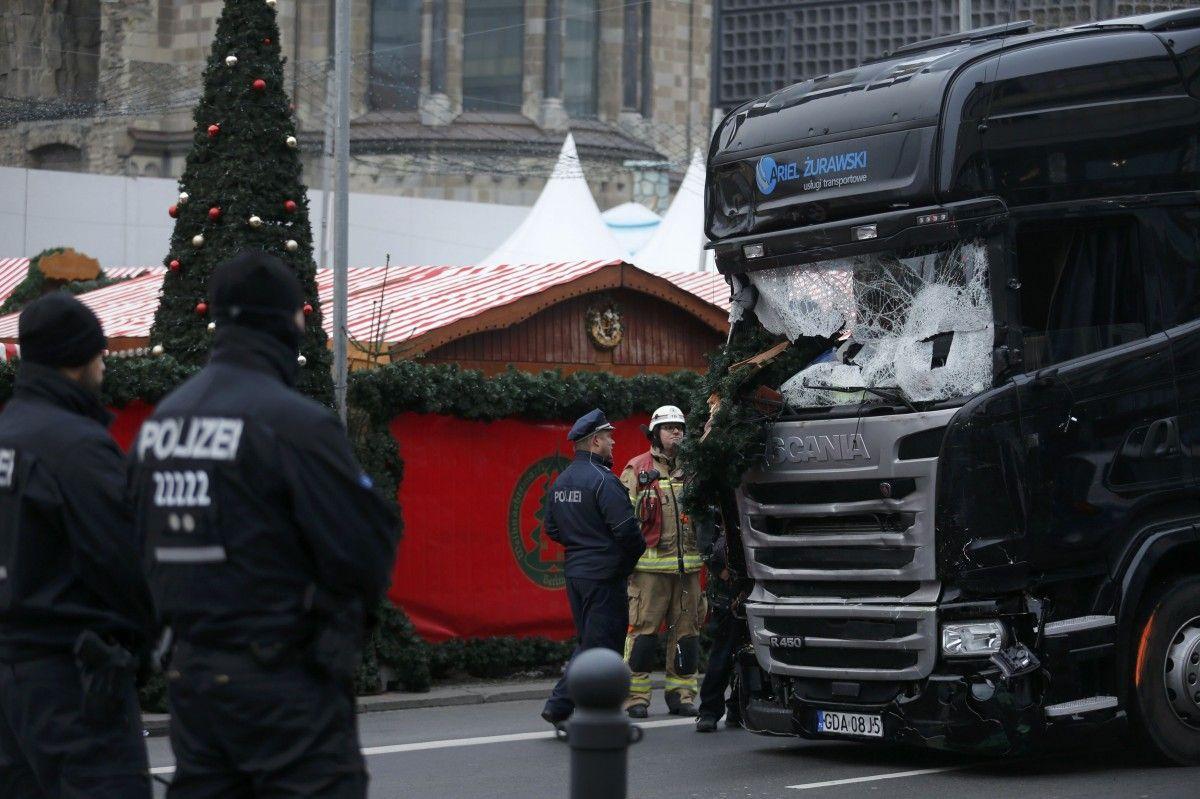 Кровавый теракт с грузовым автомобилем вБерлине: вТурции сообщили, что словили подозреваемых