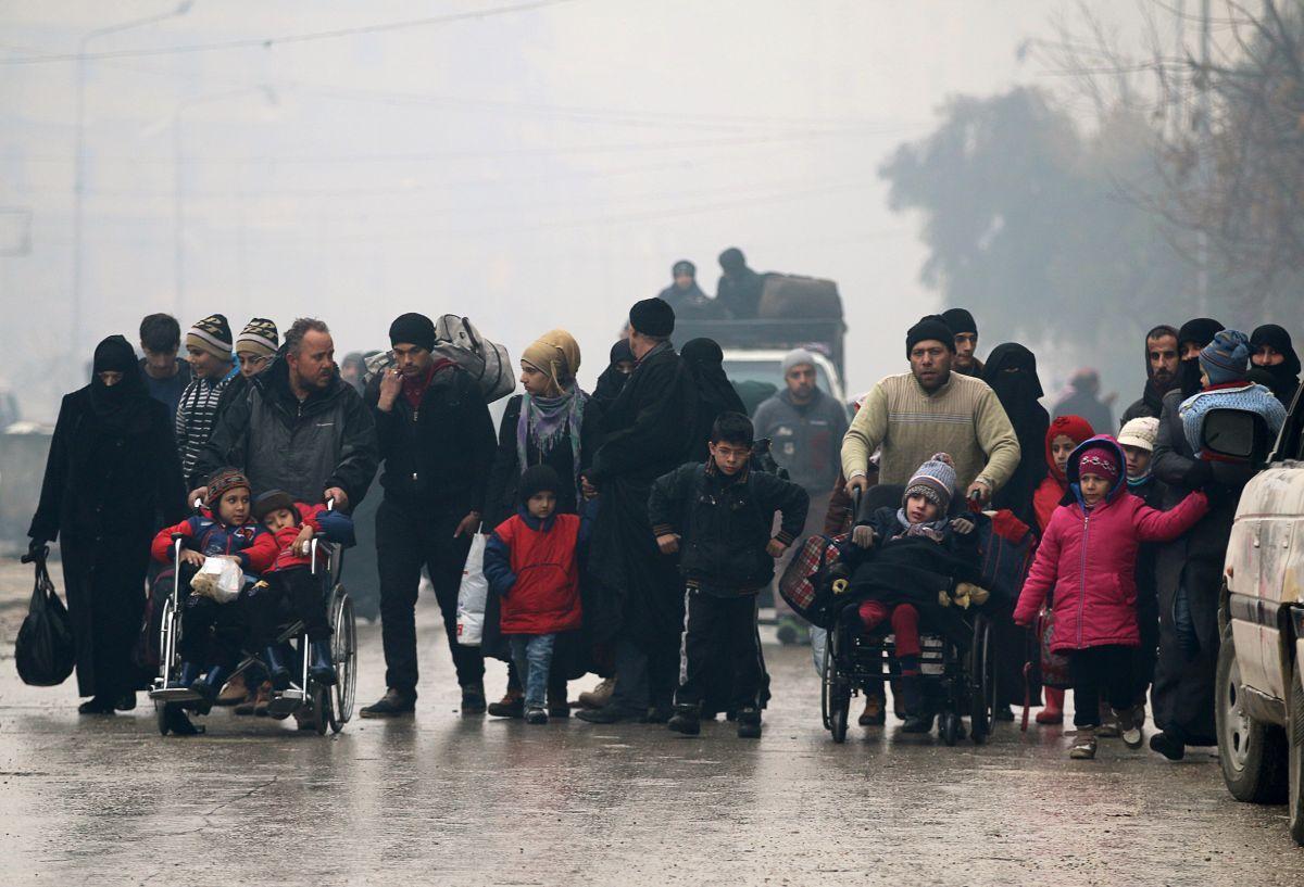 ВАлеппо по неведомым причинам остановили завершающий шаг эвакуации