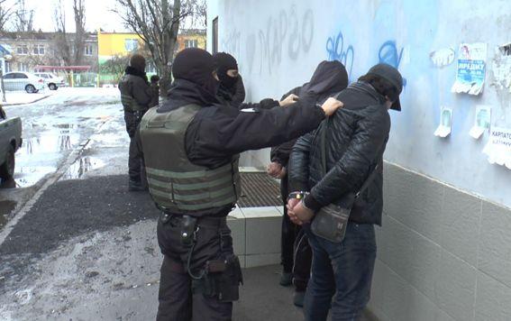 Затримання квартирних злодіїв у Херсоні / Фото hr.npu.gov.ua