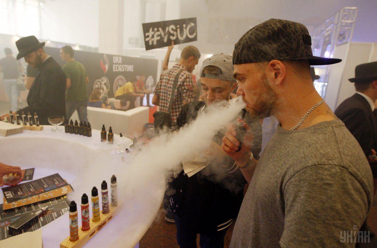 Использование альтернативных средств доставки никотина в Украине набирает популярность среди молодой публики