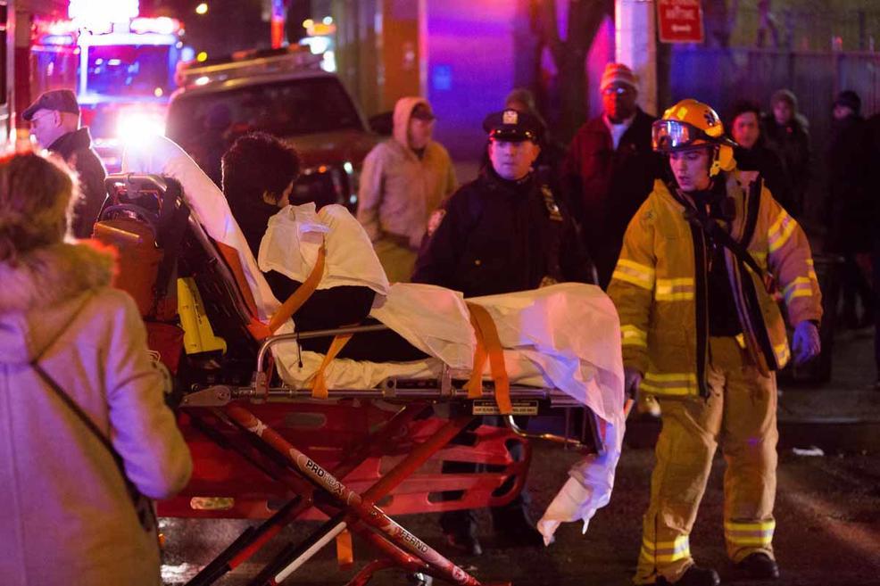 Впожаре ввысотном помещении Нью-Йорка пострадали 13 человек