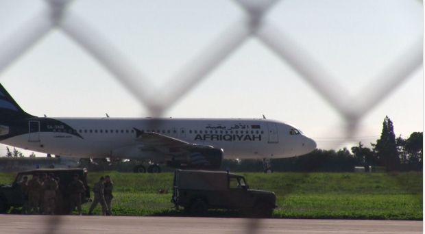 захваченный авиаланер на Мальте / скриншот видео