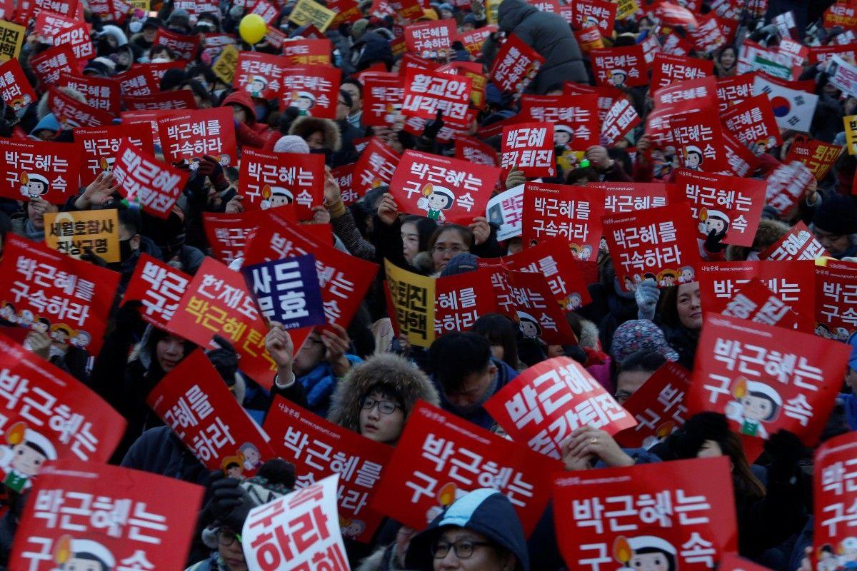 Антипрезидентская акция в Южной Корее / REUTERS