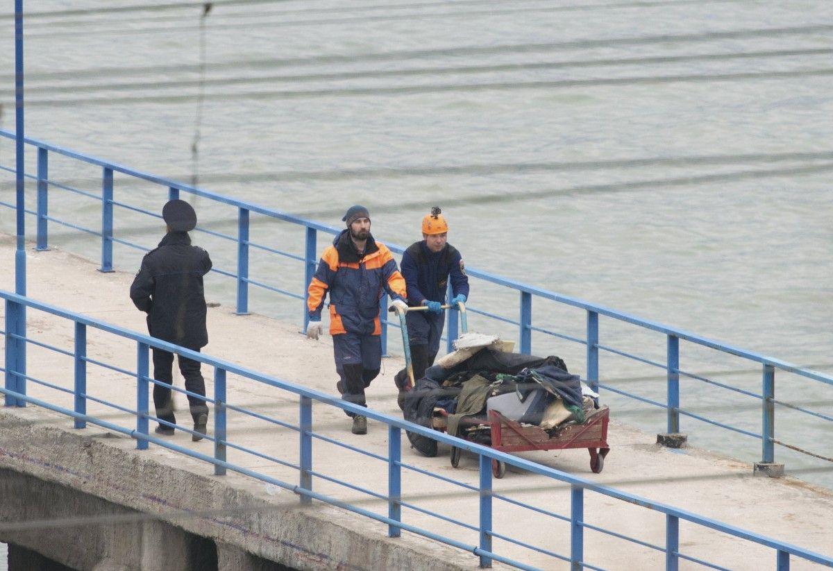 Напассажирах разбившегося Ту-154 отыскали спасательные жилеты