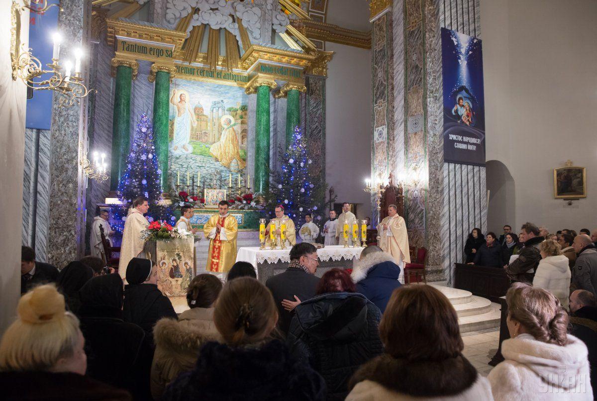 Турчинов призвал праздновать Рождество 25декабря вместе сЕвропой