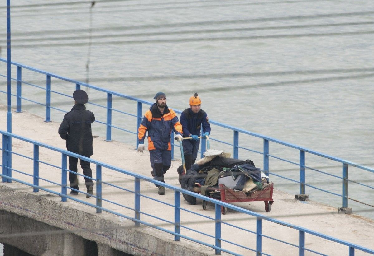 Пассажиры Ту-154 накануне трагедии готовились кэвакуации инадевали спасательные жилеты