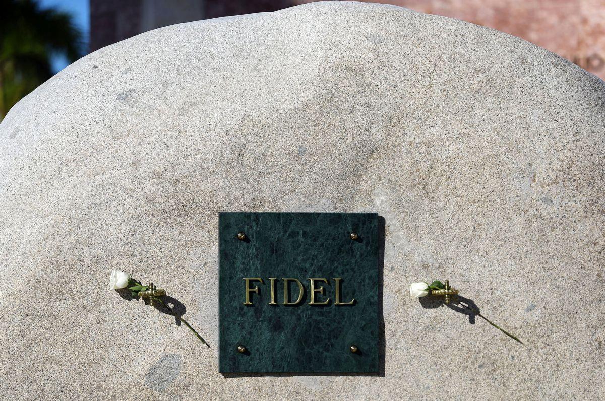 Парламент Кубы запретил использование имени Фиделя Кастро в социальных местах