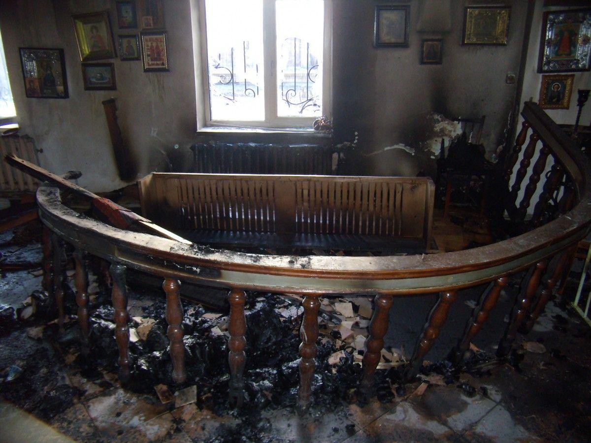 Пожежа виникла у підсобному приміщенні церкви / dp.dsns.gov.ua