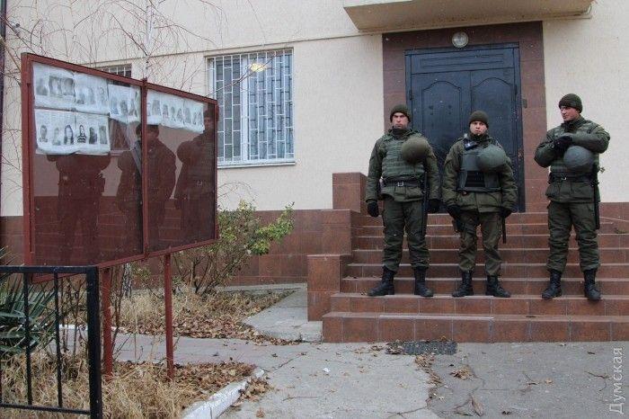 Правоохоронці, які затримали в Одеській області підозрюваного у подвійному вбивстві / Dumskaya.net