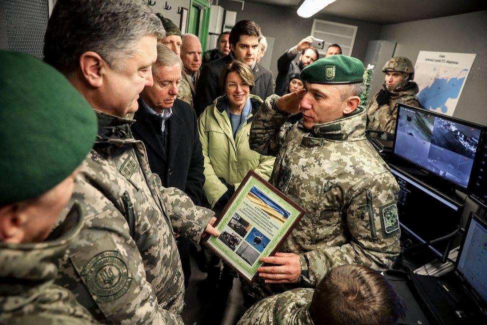 Катер, который передал Порошенко, украинского производства / facebook.com/petroporoshenko