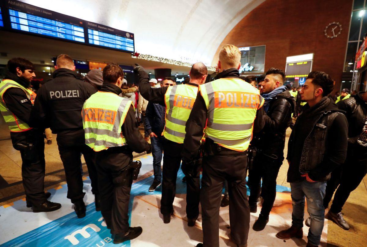Милиция Кельна предотвратила массовые беспорядки вновогоднюю ночь