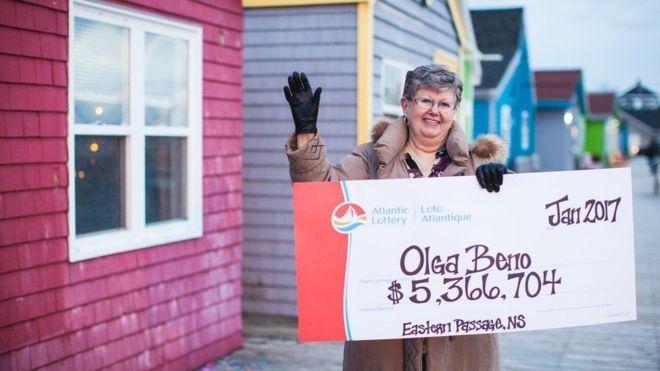 Мешканка Канади зірвала джекпот у $4 мільйони, побачивши виграшну комбінацію цифр уві сні