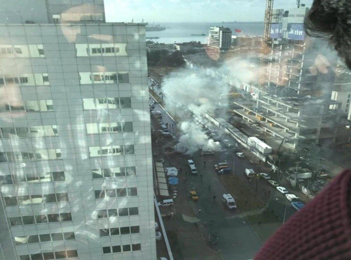 Взрыв вИзмире: милиция уничтожила двоих предполагаемых участников теракта