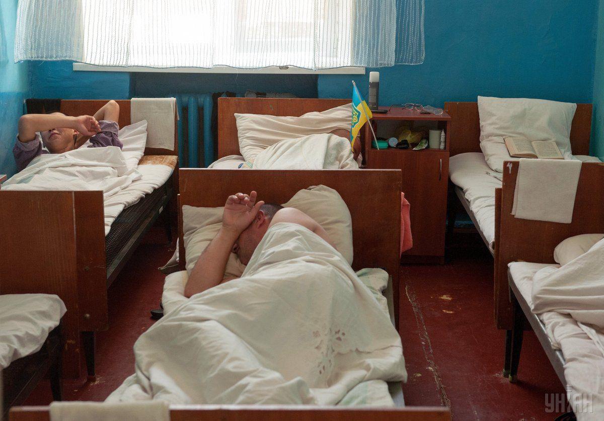 Взоне АТО умер  украинский военный, двое ранены,— штаб