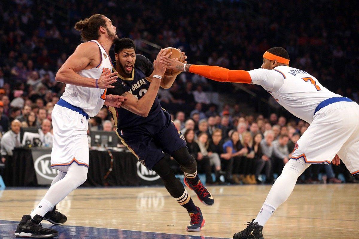 """Дэвис (в центре) набрал 40 очков в матче с """"Нью-Йорком"""" / Reuters"""