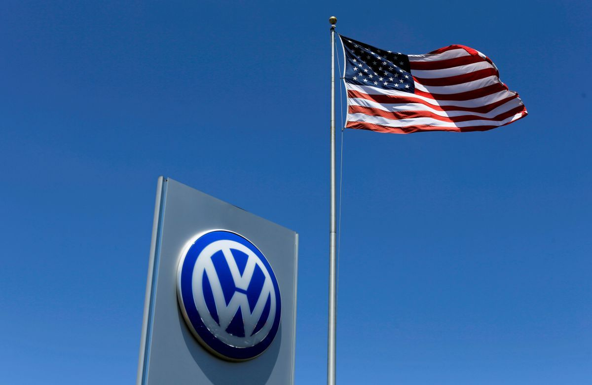 ФБР арестовало топ-менеджера VW