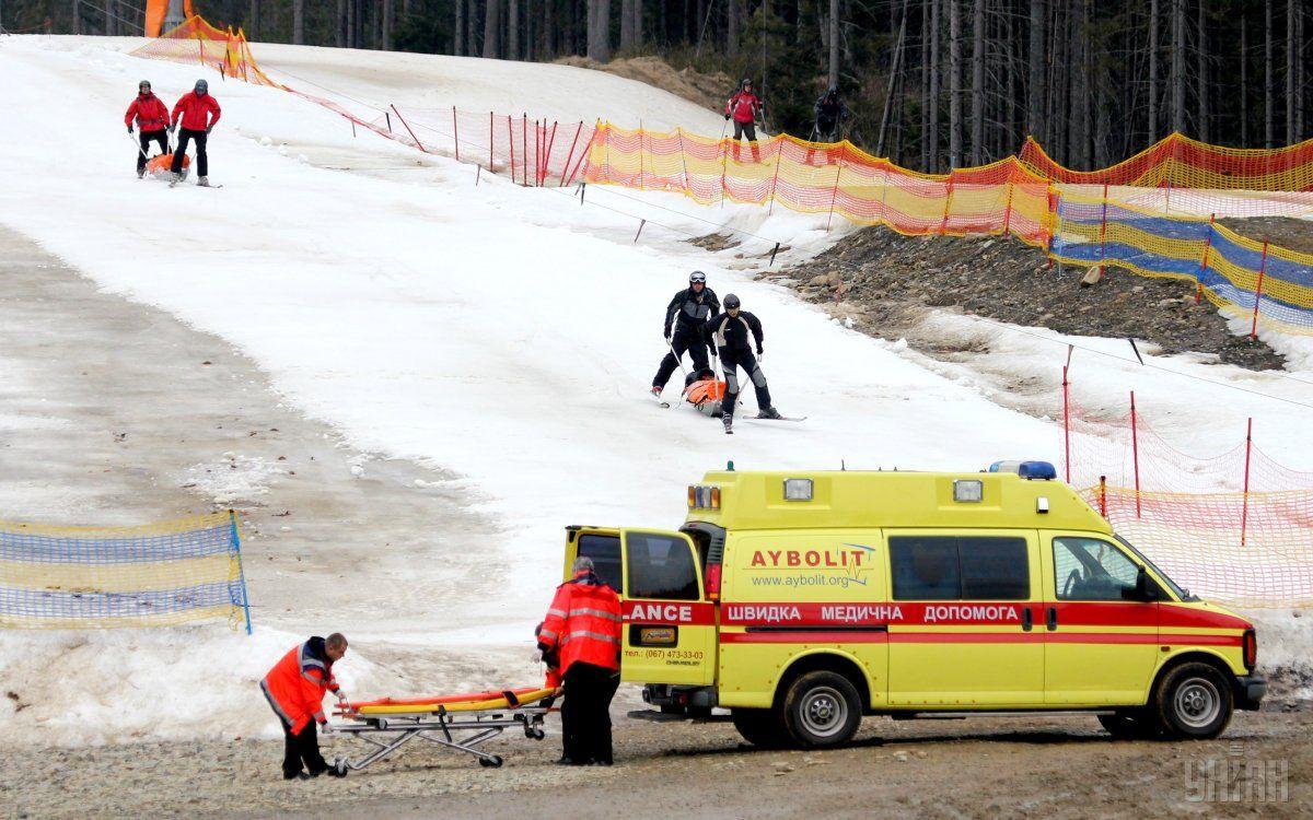 З початку року на гірських трасах Львівщини травмувалися понад 30 лижників