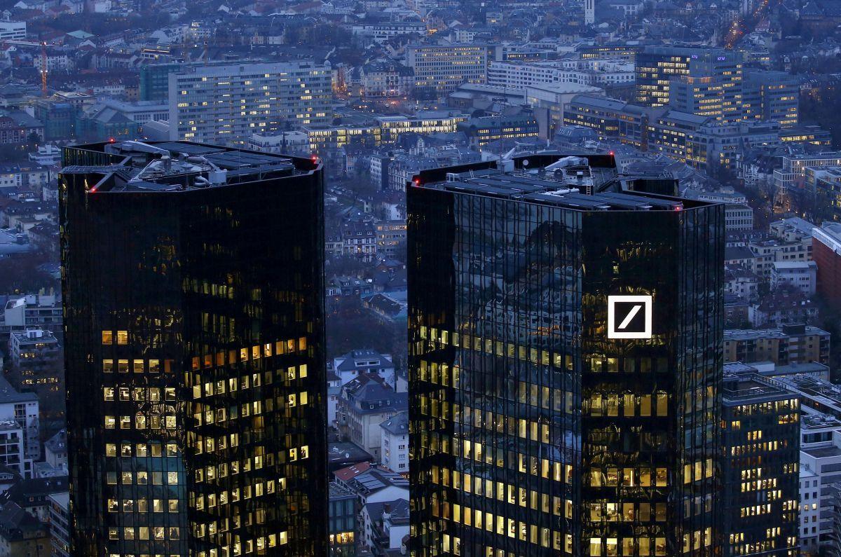 Deutsche Bank выплатит США 7,2 млрд долларов поделу омахинациях