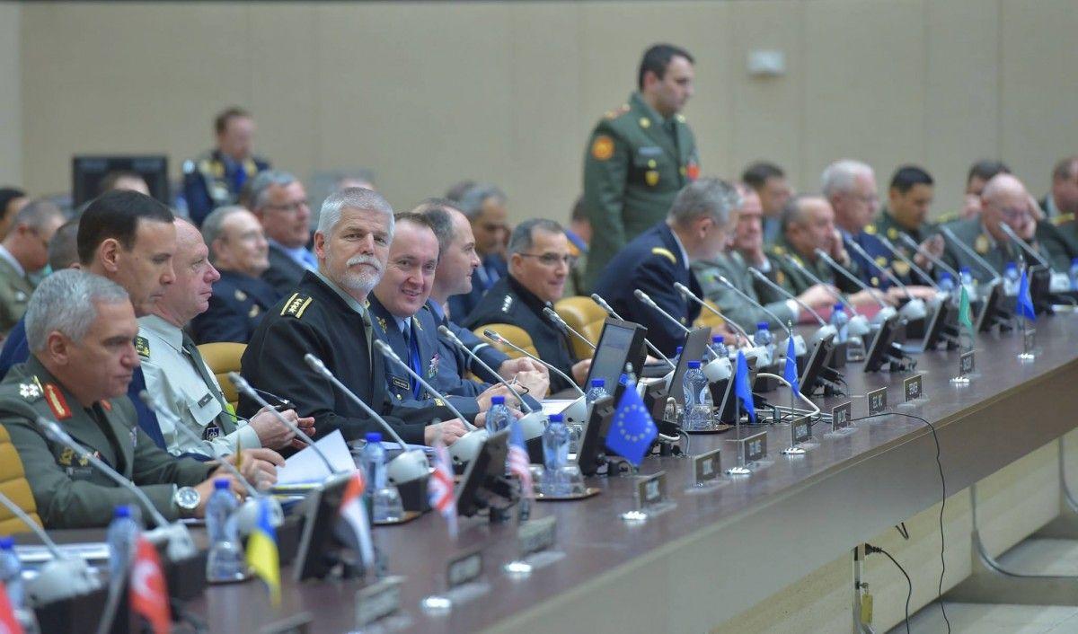 Начальники Генштабов стран НАТО могут встретиться сМуженко