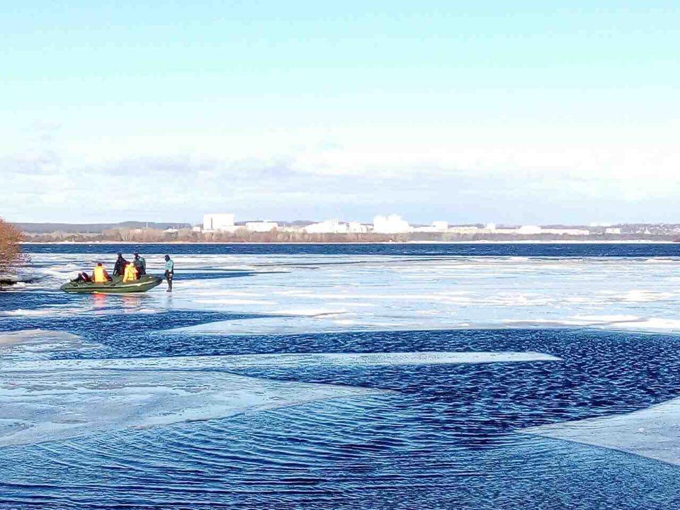 ГСЧС: ВКиеве около 30 рыбаков забрало нальдине