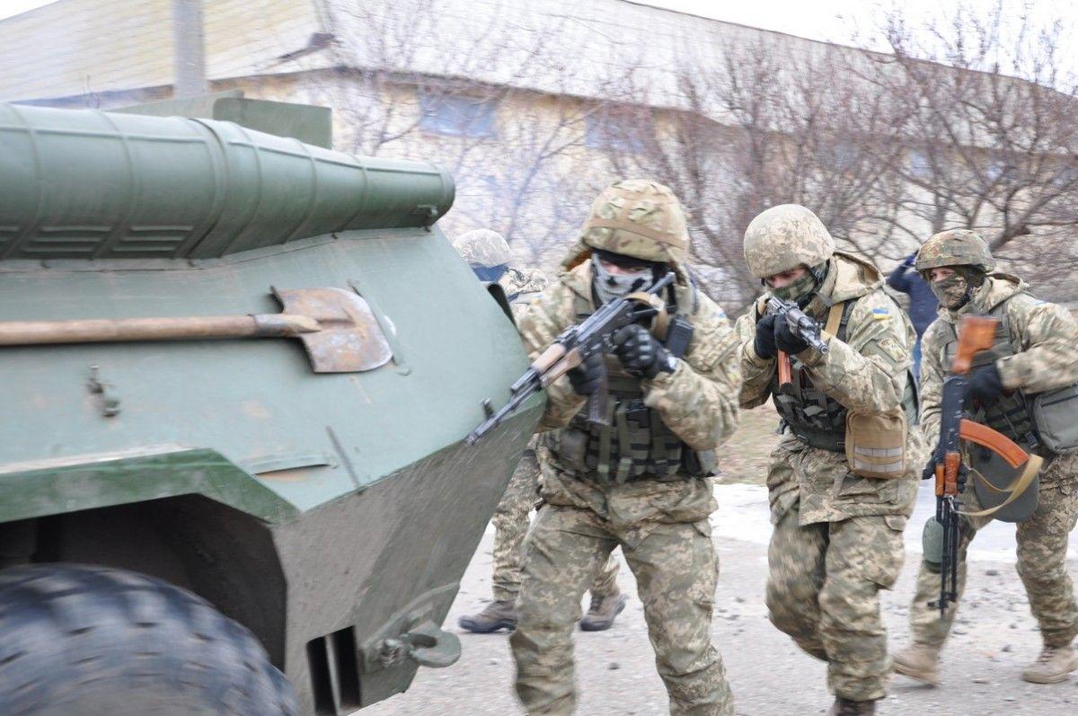 ВМС проводит расследование пофакту задержания матроса, планировавшего использовать оружие вКиеве
