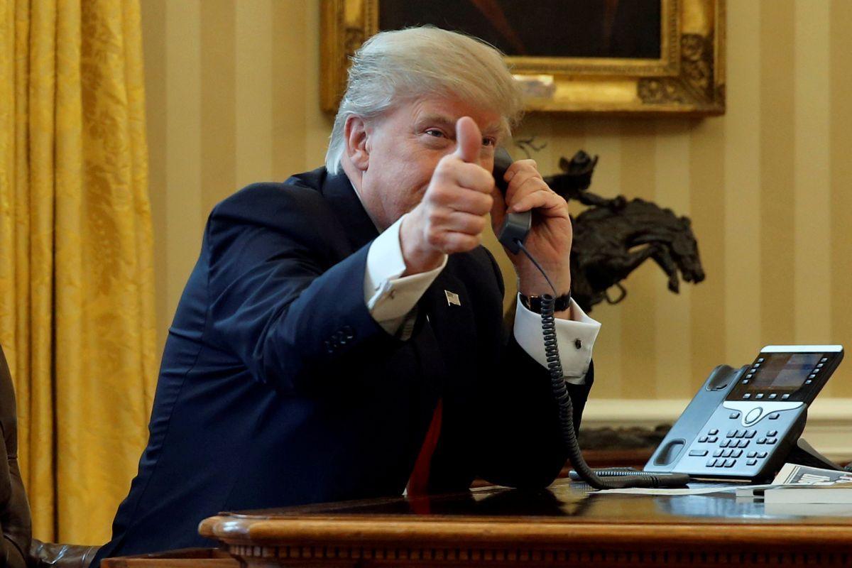 Трамп может обязать прибывающих вСША иностранцев сообщать обактивности вглобальной сети