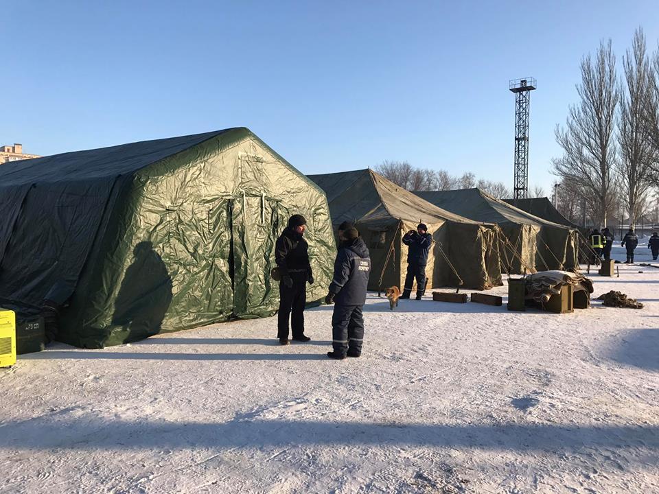 Cотрудники экстренных служб показали, как работают пункты обогрева— Обстрел Авдеевки